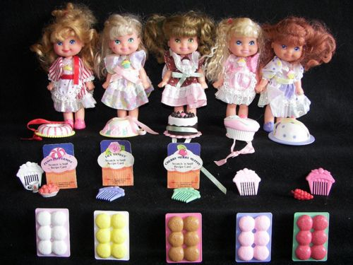 I had the blueberry one of these adorable Cherry Merry Muffin Dolls (which isn't pictured here). Cherry_Merry_Muffin_dolls #dolls #toys #retro #nostalgia #childhood #1980s #1990s