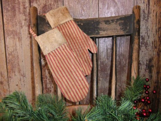 Primitive Christmas Mittens