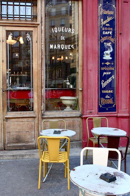Café, Paris.