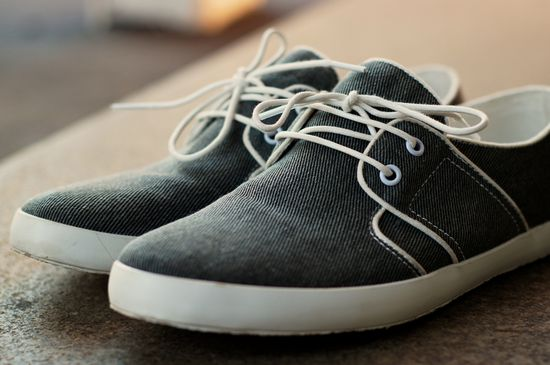 YOURS – Spring / Summer 2012 Grey Low Cut