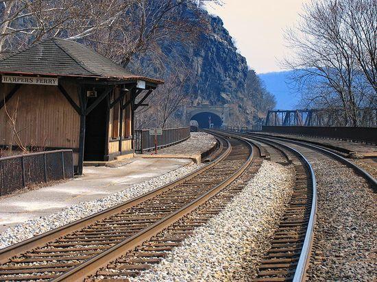 Old train station, a photo from Harper's Ferry, West Virginia,   www.trekearth.com