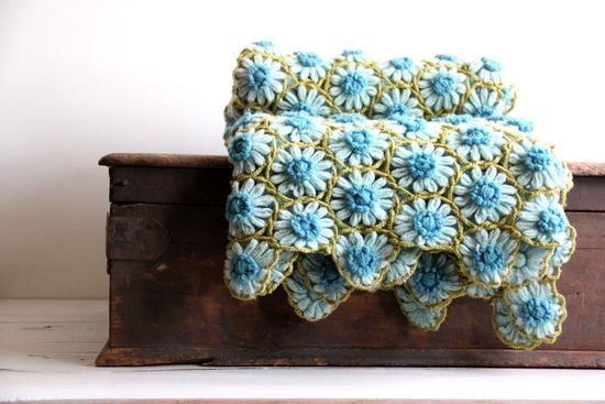 crochet /daisy loom blanket