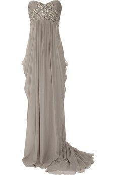 So stunning!  Winter bride?