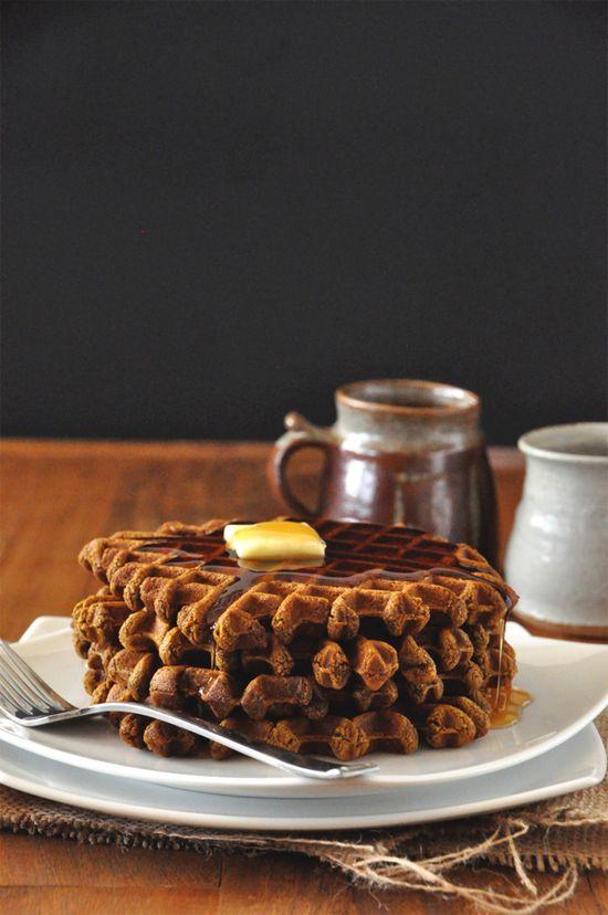 vegan gingerbread waffles - minimalist baker