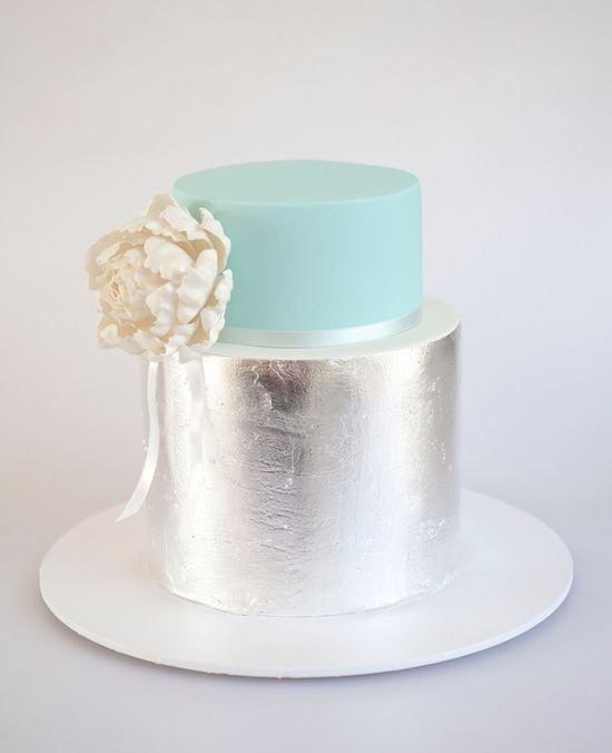 Cake by Sweet Tiers // blog.theknot.com/...