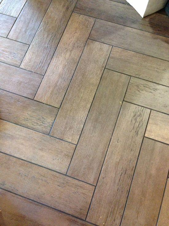 tile floor that looks like wood for the bathroom.