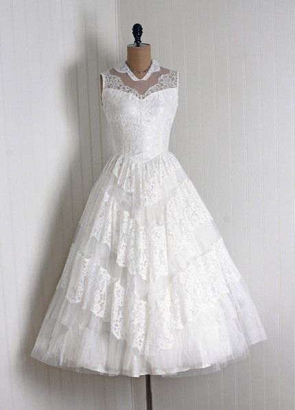 1950s vintage lacy garden party/wedding dress