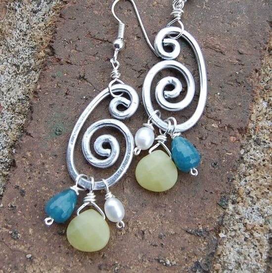 spiral wire w/bead earrings