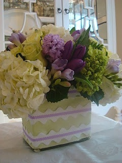 DIY Easter Flower Arrangement