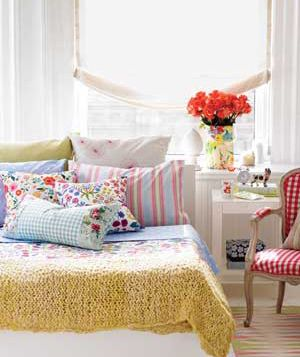 colorful, pretty and bright.  The bedroom to lift your spirit!    #Bedroom #Decor #Headboard