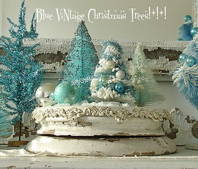 Shabby blue Christmas decor LOVE for the dining room! :)