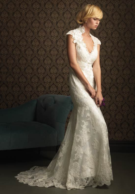 Lace Wedding Dress Style. LOVE! I'm a lace lover!!!