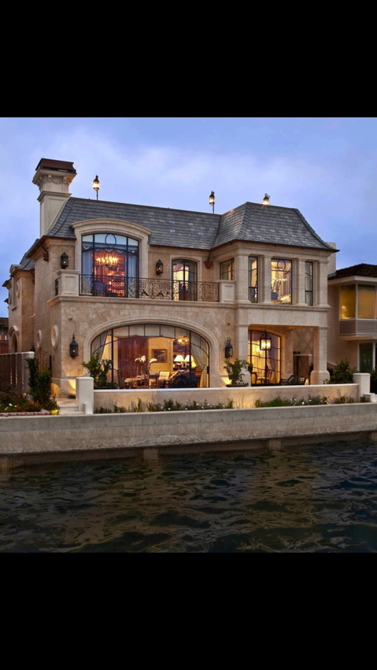 I've always wanted to live by the water, this is the way to do it.