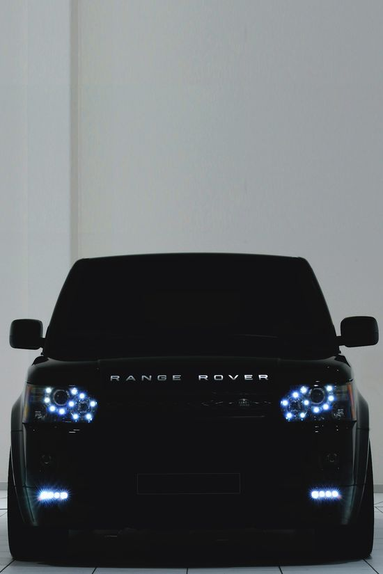 Bossy Range Rover!