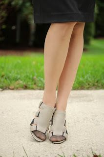 Vintage Styling with Modern Pieces #womens #heels #vintage #style