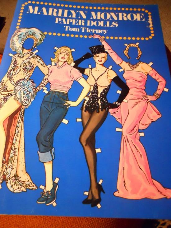 Vintage Marilyn Monroe paper dolls!