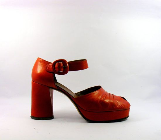 Vintage 1970s red platform shoes leather by BottegaVintage on Etsy, $149.00