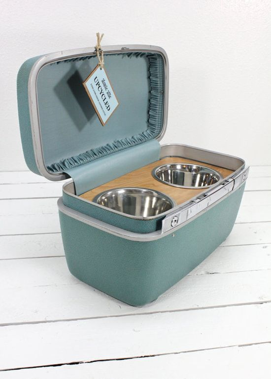Upcycled Travel food and water bowls for pets! perfect to bring when you want to bring your pets with you to the beach
