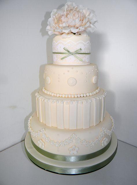 vintage wedding cake by auroracakes (Dawn), via Flickr