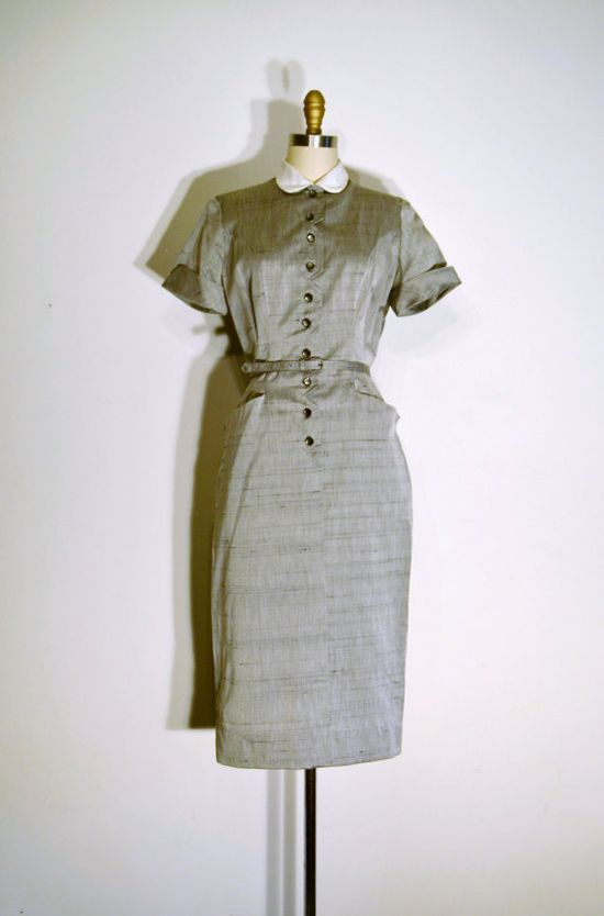 ON SALE Vintage 1940s Dress - 40s Day Dress - Grey and White