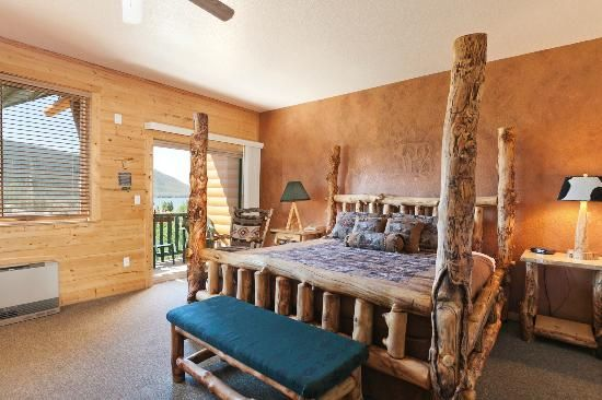 9 Awesome Bed & Breakfasts! Photos of Gateway Inn, Grand Lake