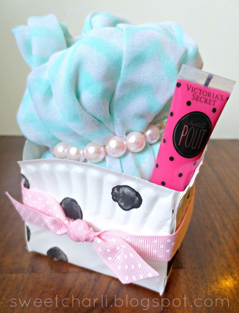 DIY Gift Box Using a Paper Plate!