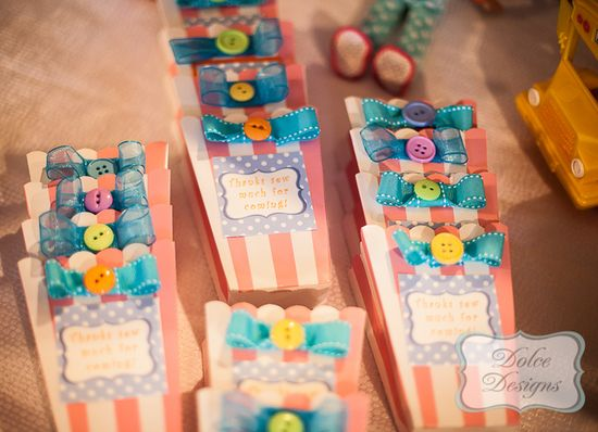 Favors at a Lalaloopsy Party #lalaloopsy #partyfavors