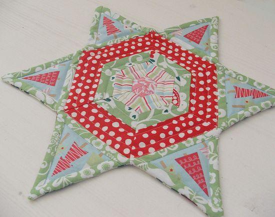 Christmas Star Mug Rug