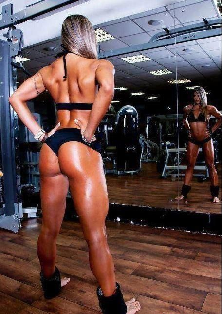 Squats are a productive exercise that gives you results quickly