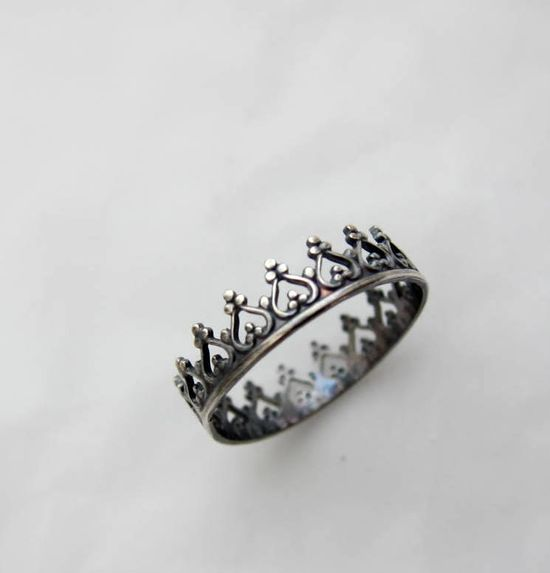 There is no queen without a crown silver ring. €39,00, via Etsy.
