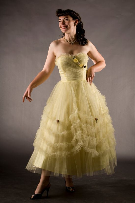 Vintage 1950s Tulle Wedding Dress Yellow by unionmadebride on Etsy, $225.00