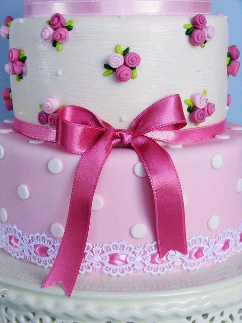 Shabby chic cake by bubolinkata, via Flickr