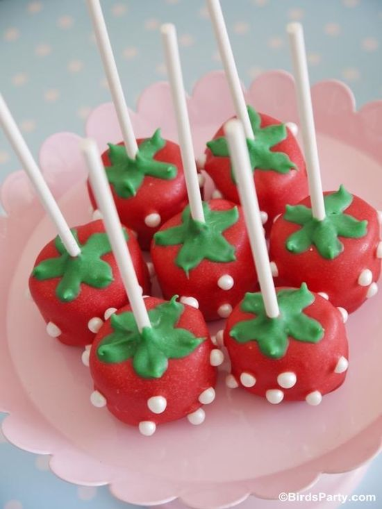 DIY Marshmallow Strawberry Pops