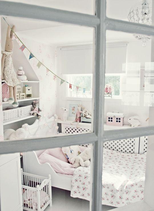 Cute girl bedroom