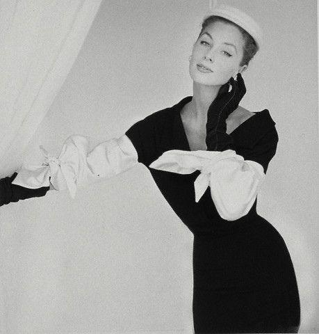 Suzy Parker, model, 1953