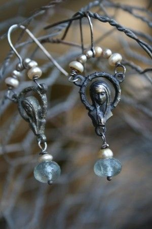 ? mary and pearls