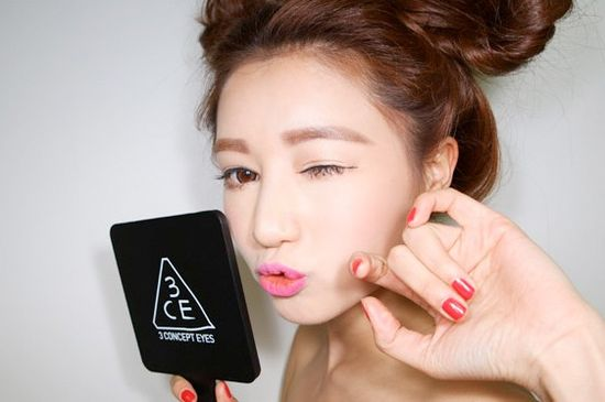 Korean Straight-Across Brows: Because Arches Are So Yesterday