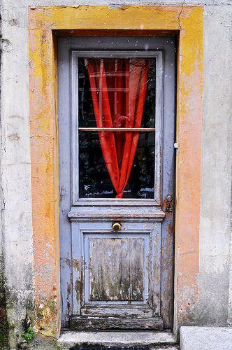 red V door