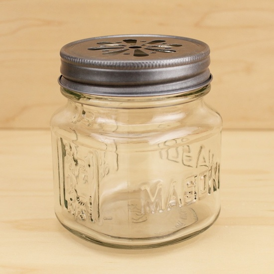 These square mason drinking jars with the daisy cut lids are my favorite right now. I use them in almost every party! Available in Kara's Party Ideas shop. #mason #jar #drinking #glasses