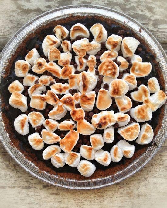 Dairy Free S'more Pie. (Gluten/Grain/Egg Free) #vegan #recipe #dessert