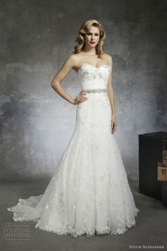 spring 2013 wedding dress.... SIMPLE