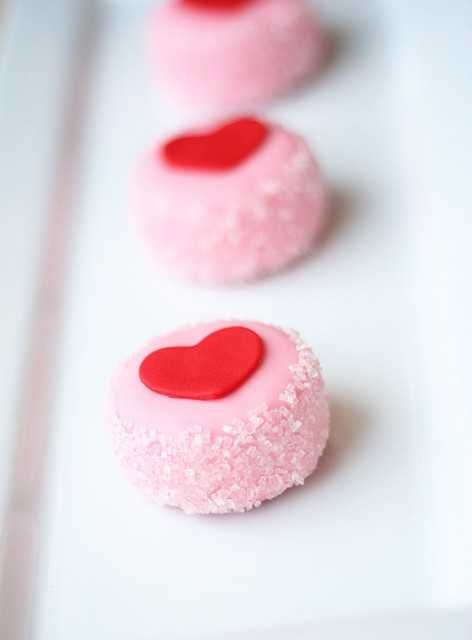 Adorable Valentines Petits Fours by I am Baker #valentine #treats