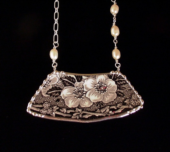 Broken china jewelry necklace vintage black and white floral toile Wedgwood china