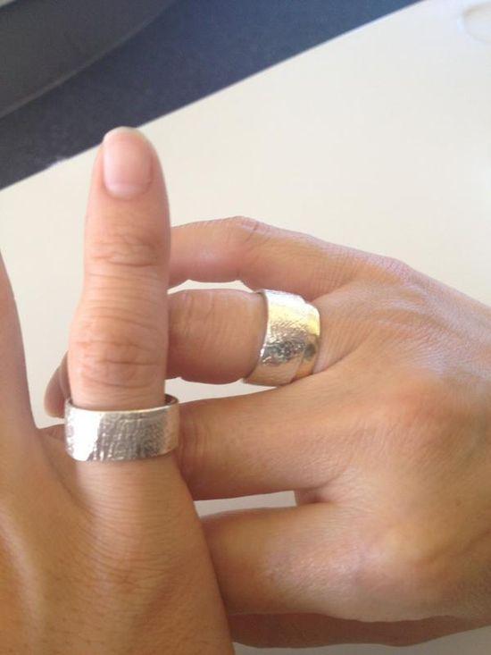 Jang Geun Suk has matching couple rings with whom?