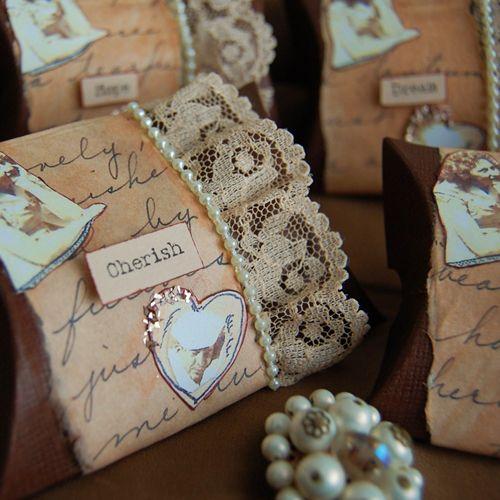 Vintage wedding favour boxes