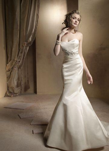 A very Marilyn Monroe wedding dress