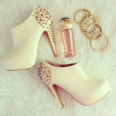 #Yummyyyy! #LostTreasure lol... #cream #gold #shoes #boots #heels #ankle_boots