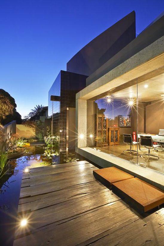 Modern luxury home in Australia
