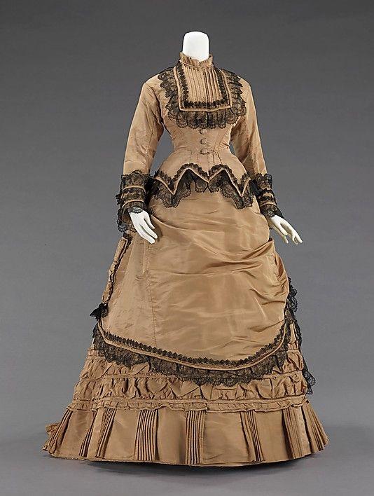 27-10-11 Walking dress 1880's