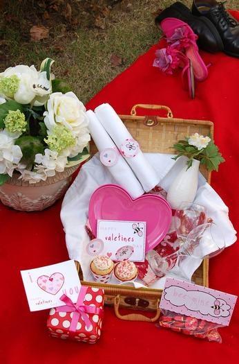 romantic picnic idea!